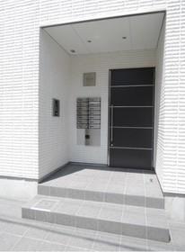 新板橋駅 徒歩14分エントランス