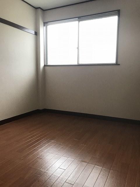 ニュー小机マンション居室