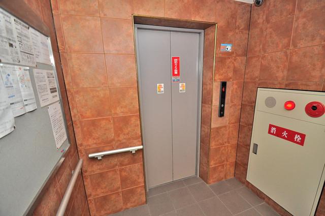 ベルビュー 嬉しい事にエレベーターがあります。重い荷物を持っていても安心