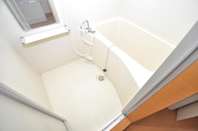 アドバンス俊徳 ゆったりと入るなら、やっぱりトイレとは別々が嬉しいですよね。