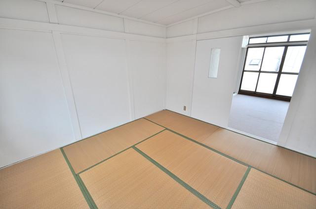 太平寺2丁目 連棟住宅 太陽の温もりと、畳のいい香りが、あなたを包んでくれますよ。