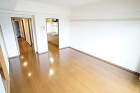 https://image.rentersnet.jp/a8840d2667e0dd38b5618095c1ace718_property_picture_1800_large.jpg_cap_LDK13.3帖