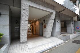 渋谷駅 徒歩13分エントランス