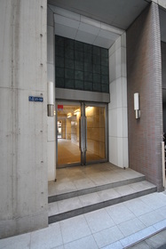 三田駅 徒歩16分エントランス