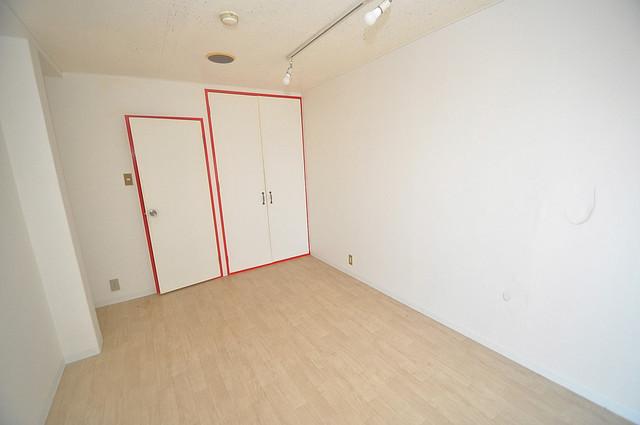 OMレジデンス八戸ノ里 シンプルな単身さん向きのマンションです。