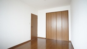 メイプルリーフ中溝 702号室