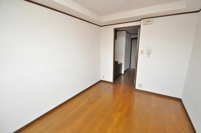 高井田ル・グラン ゆとりのあるベッドルームで快適な睡眠をとってくださいね。