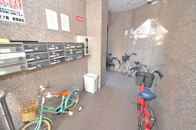 クイーンライフ巽 エントランス内には各部屋毎のメールボックスがあります。