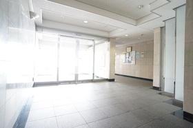 https://image.rentersnet.jp/aa78cbbd3b85dee6664810544f5616e3_property_picture_1800_large.jpg_cap_エントランス ロビー