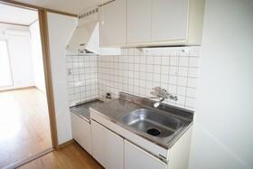 https://image.rentersnet.jp/aa809a08-de54-4ab5-8855-4121be3b405c_property_picture_956_large.jpg_cap_キッチン