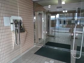 https://image.rentersnet.jp/aa88c4a7e12e7c6cabc7f9ed1f11cbe7_property_picture_2418_large.jpg_cap_オートロック!