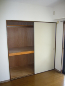 シェルコート 205号室