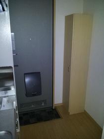 https://image.rentersnet.jp/aab510b0-2231-4dd1-afe0-e968f73123dd_property_picture_956_large.jpg_cap_玄関
