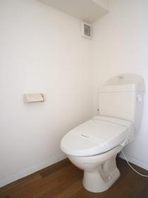 https://image.rentersnet.jp/aaf1f6ef-ad4d-4bf2-9195-8e38f86f23dd_property_picture_955_large.jpg_cap_トイレ