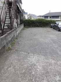 横溝荘駐車場