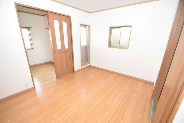 横沼町1-9-12 貸家 朝には心地よい光が差し込む、このお部屋でお休みください。