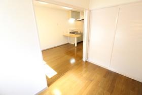https://image.rentersnet.jp/ab14bf99-5c32-4dae-8347-6823c2940bf5_property_picture_958_large.jpg_cap_居室