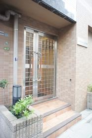 https://image.rentersnet.jp/ab218961ba50368cd7aa3b6f2286c30c_property_picture_961_large.jpg_cap_エントランス