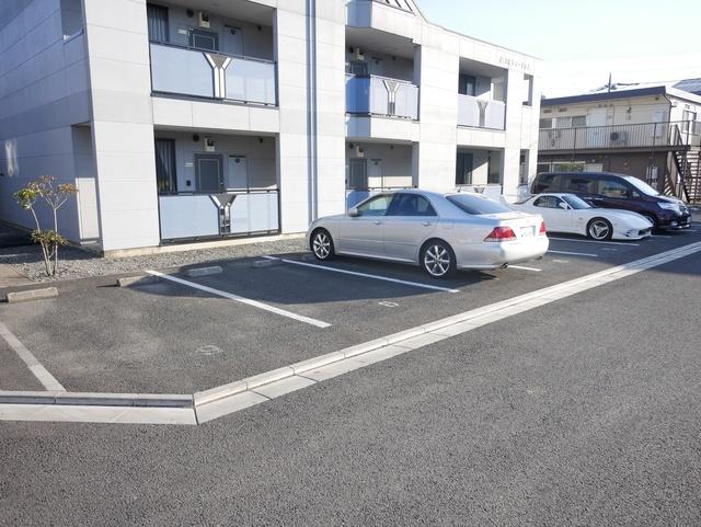 コルティーレ吉岡駐車場