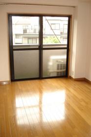 山川ビル 301号室