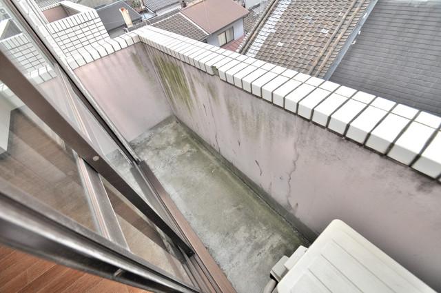 ブリリアント神路 心地よい風が吹くバルコニー。洗濯物もよく乾きそうです。