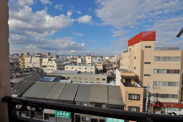 MAISON YAMATO この見晴らしが陽当たりのイイお部屋を作ってます。