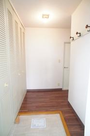 三番館 301号室