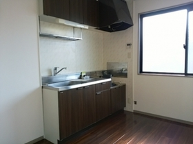 https://image.rentersnet.jp/abe8c6c4-51af-4ddb-8011-cddf8ab4201a_property_picture_9494_large.jpg_cap_キッチン