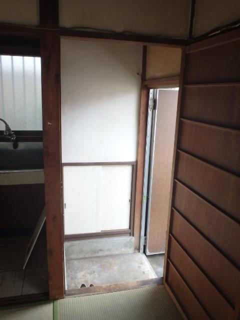 武田アパート玄関