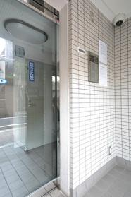 中井駅 徒歩15分エントランス