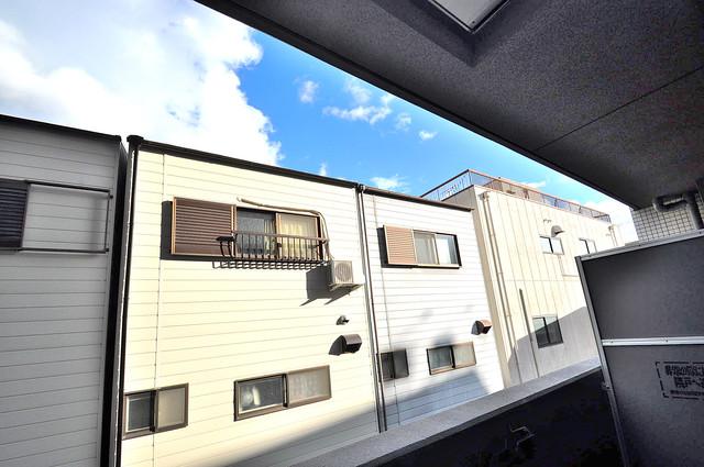レジュールアッシュOSAKA新深江 この見晴らしが日当たりのイイお部屋を作ってます。