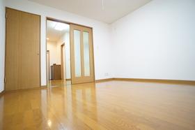 https://image.rentersnet.jp/ac54656c-e3d4-43c6-a212-3dd074351195_property_picture_956_large.jpg_cap_居室