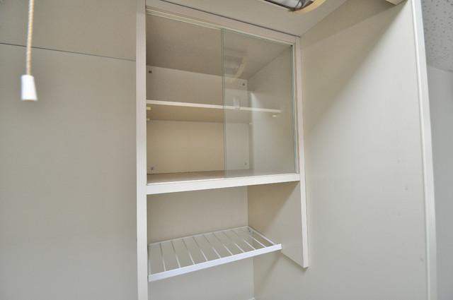 プレアール菱屋西 キッチン棚も付いていて食器収納も困りませんね。