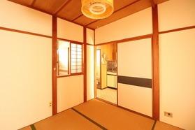 https://image.rentersnet.jp/ac8d13bf-598d-4090-89a5-7fe426a2e137_property_picture_1992_large.jpg_cap_居室