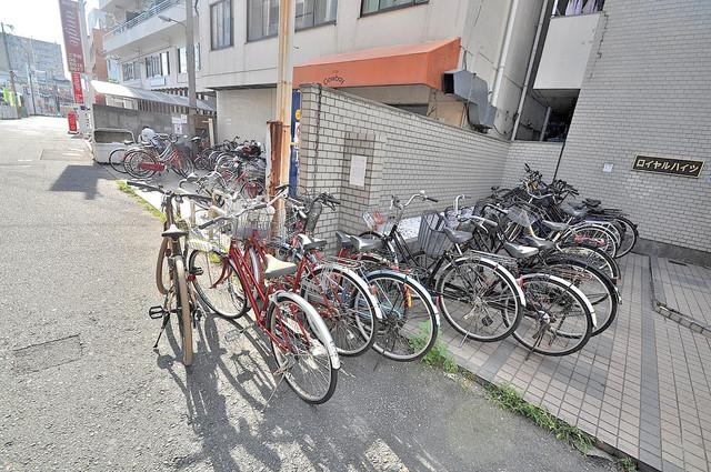 ロイヤルハイツ八戸ノ里 あなたの大事な自転車も安心してとめることができますね。