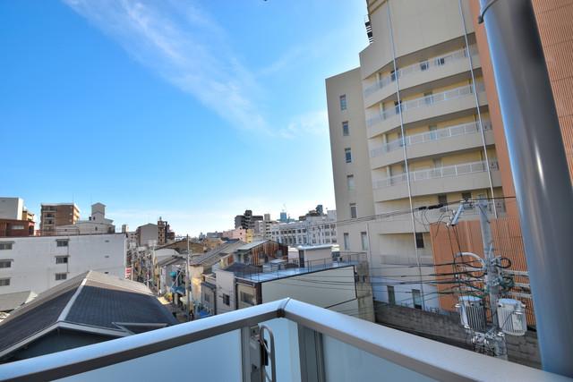 レジュールアッシュOSAKA今里駅前 この見晴らしが陽当たりのイイお部屋を作ってます。