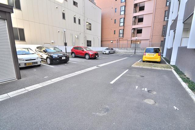 エトワールフィラント 駐車場