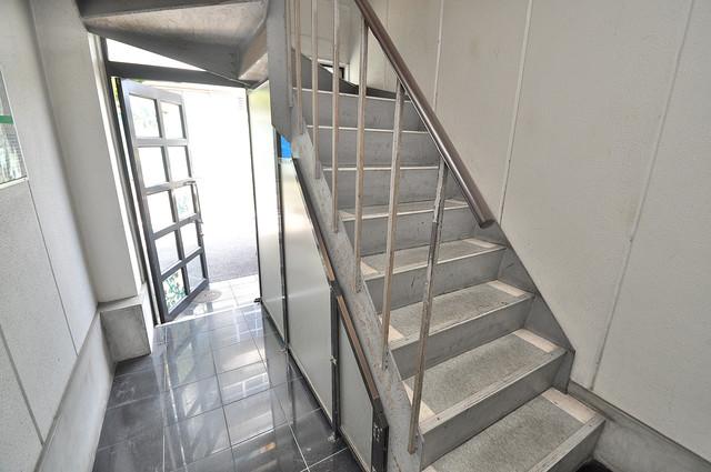 ハイム上小阪 この階段を登った先にあなたの新生活が待っていますよ。