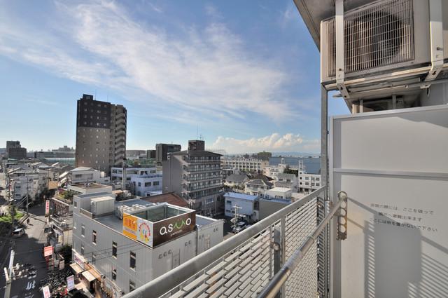 八戸ノ里HIROビル この見晴らしが陽当たりのイイお部屋を作ってます。
