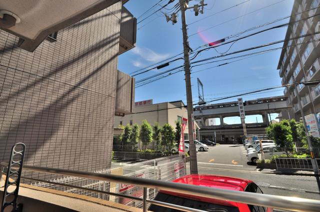 プリムローズHY1 バルコニーは眺めが良く、風通しも良い。癒される空間ですね。