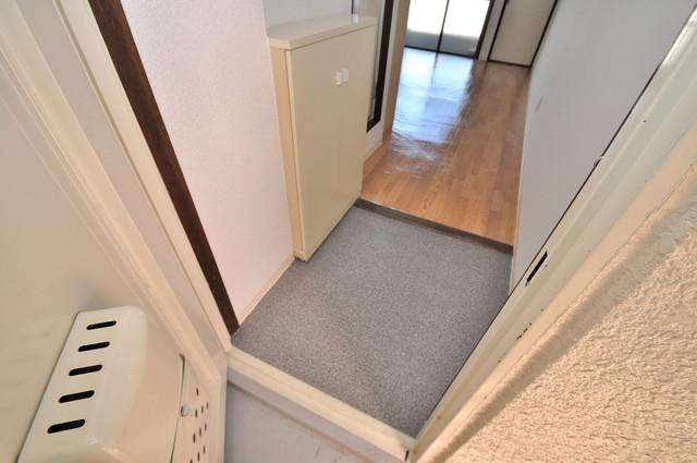 シャルマン89 お部屋の入口には何も置かず、シンプルが一番ですね。
