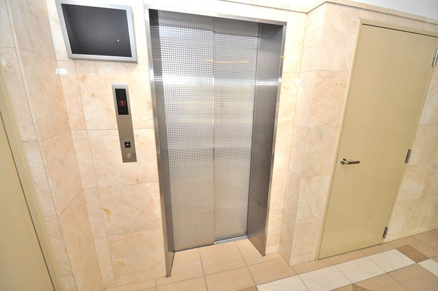 Amabile玉造 嬉しい事にエレベーターがあります。重い荷物を持っていても安心