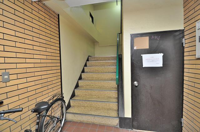 スペラーレ今里 この階段を登った先にあなたの新生活が待っていますよ。