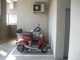 パークホームズ文京千石ステーションアリーナ駐車場