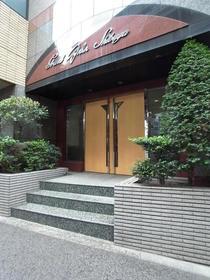 渋谷駅 徒歩14分エントランス