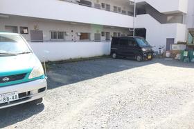 第2サンライズコーポ駐車場
