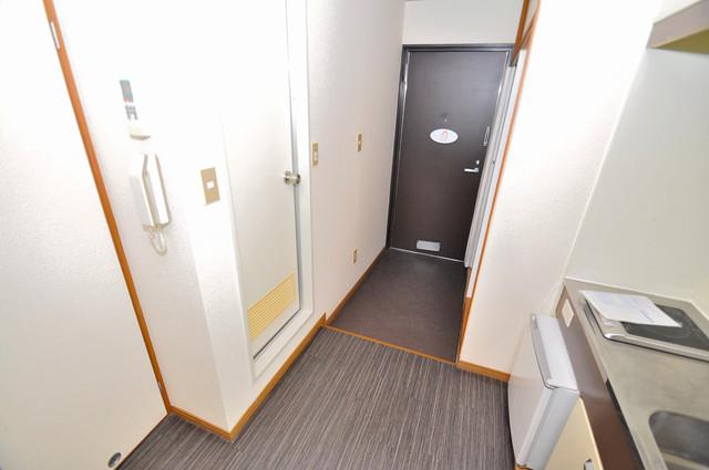 アリタマンション長瀬 素敵な玄関は毎朝あなたを元気に送りだしてくれますよ。