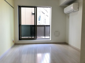 Southern Flat 202号室