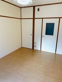 https://image.rentersnet.jp/aecf4f4d-381b-4ede-a01c-a0bdb3d5f103_property_picture_953_large.jpg_cap_居室