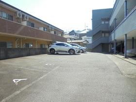 コンフォルト23駐車場
